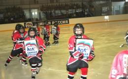 юные-ачинские-хоккеисты-экпированы-в-новую-форму